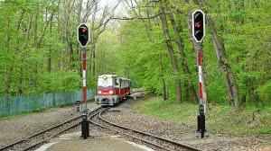 """Csillebérc állomás új """"D"""" és """"E"""" jelű kijárati jelzői"""