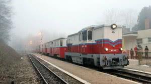 Menetrend szerinti személyvonat Szépjuhászné állomáson