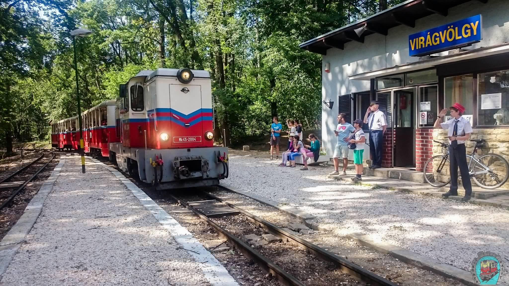 A normafai játszótér közelében Virágvölgy állomás